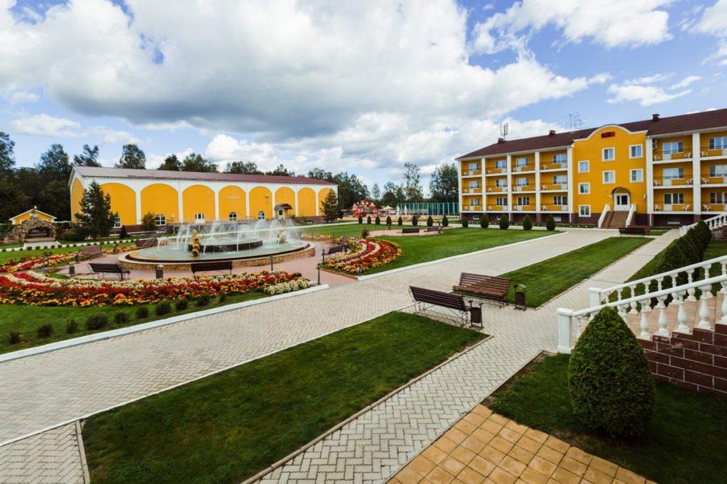 Гостиницы Тверской области начали принимать постояльцев