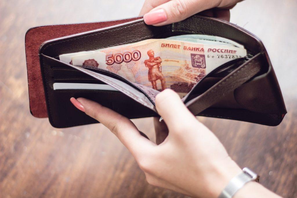 Медикам Тверской области пообещали стимулирующие выплаты за работу с коронавирусом