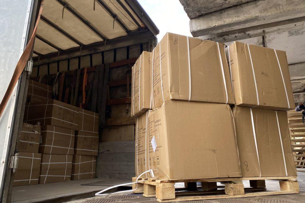 Благотворительный Фонд Тимченко передал медикам Тверской области 20 тысяч комплектов СИЗов