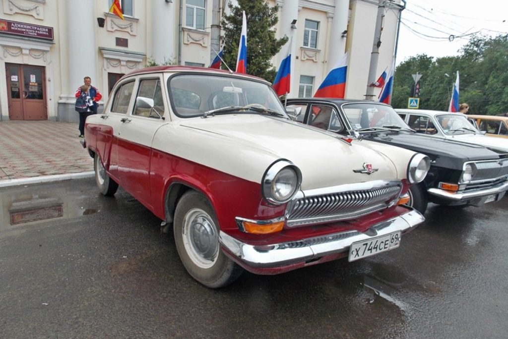 В Твери прошёл автопробег, посвящённый Дню России