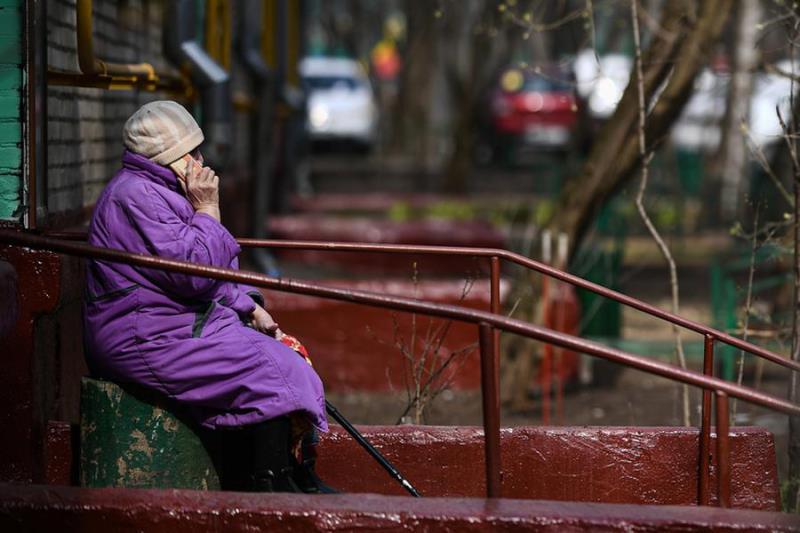 В Твери грабитель представился пенсионерке торговцем меда