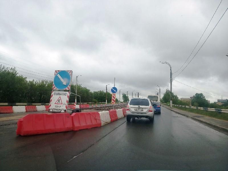 В  Твери начали разбирать трамвайные пути на Восточном мосту