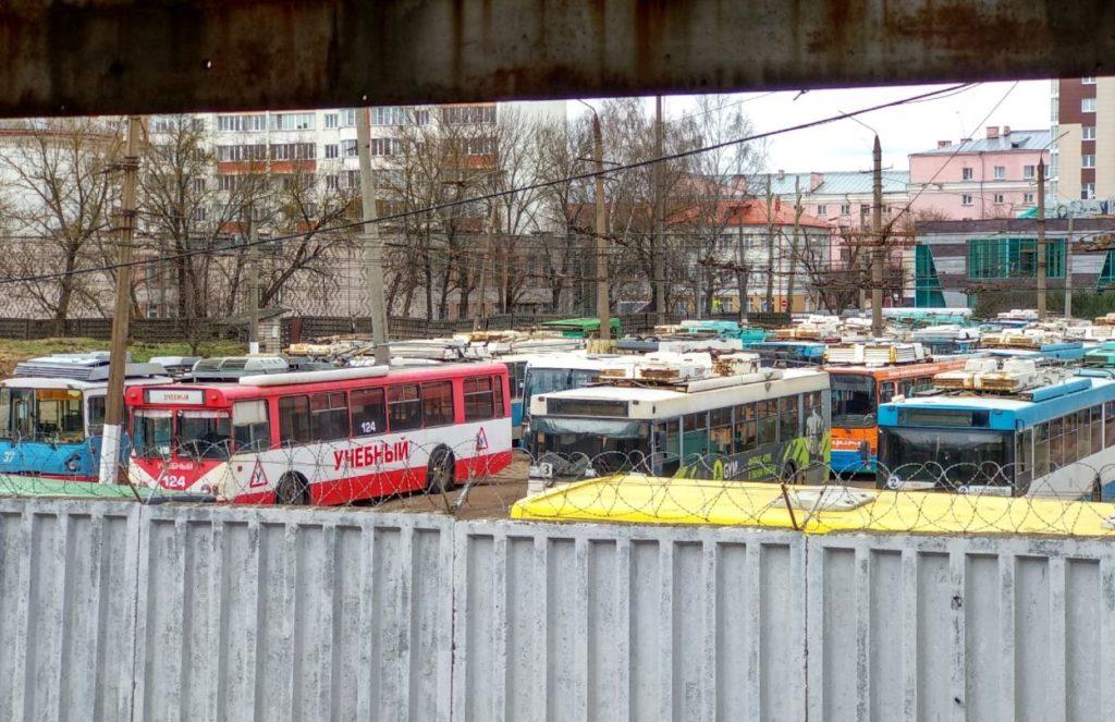 Жесть в троллейбусном парке: работников вынуждают увольняться по собственному желанию