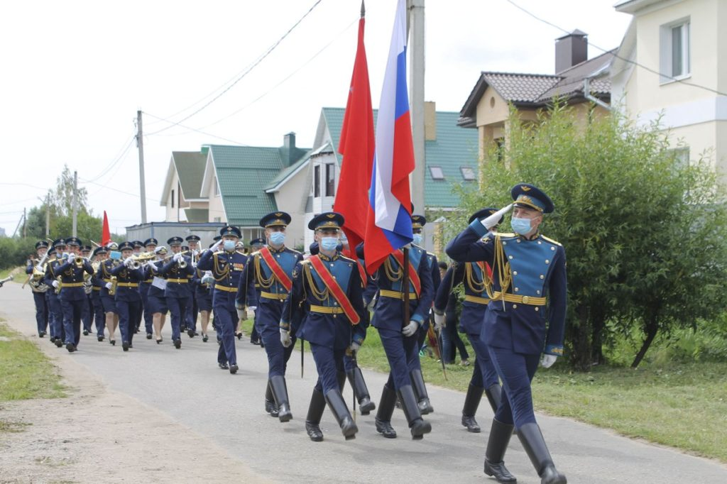 В честь столетнего юбилея ветерана ВОв Владимира Солдатова в Твери устроили праздник