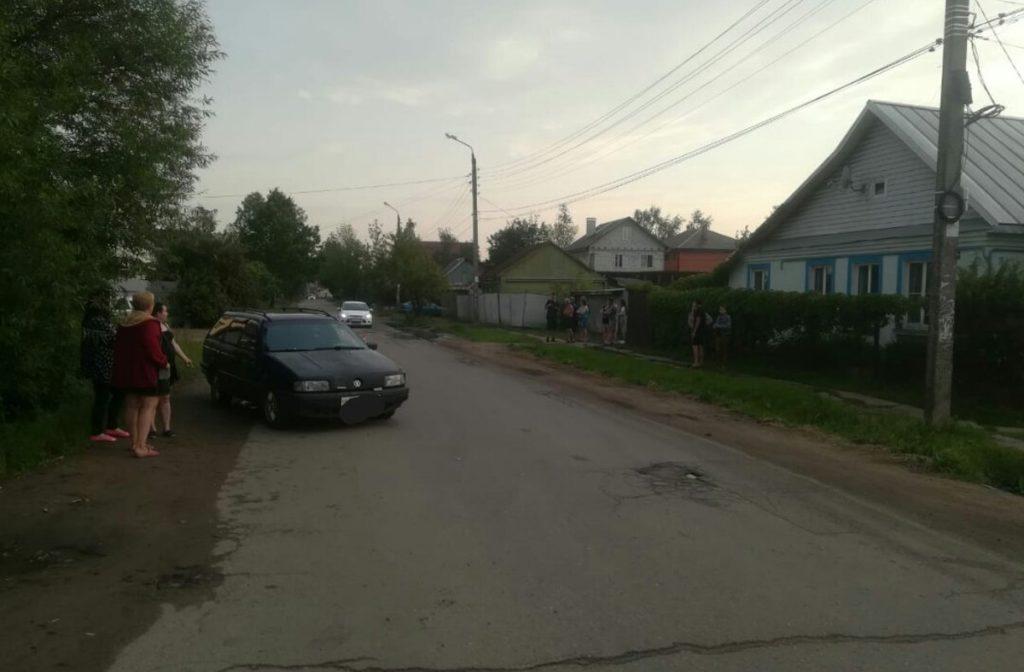 В Твери 5-летний мальчик, убежавший от пьяной матери, попал под машину