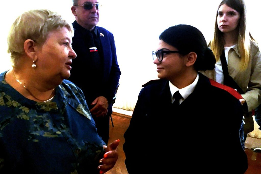 Депутат Госдумы и Герой России выдали дипломы выпускникам ТКТИ