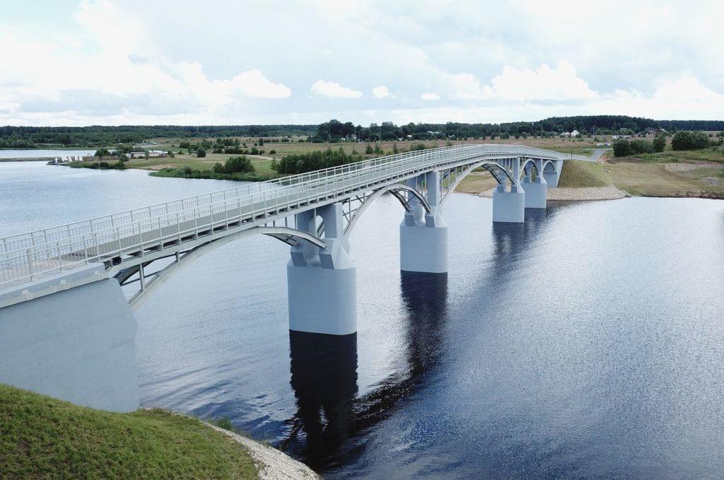В Тверской области торжественно открыли 145-метровый пешеходный мост