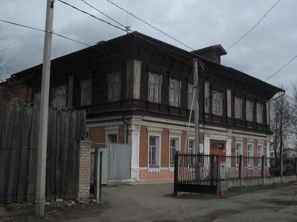 В Твери на 2,5 месяца запретят движение транспорта вдоль коррекционной школы во Дворе Пролетарки