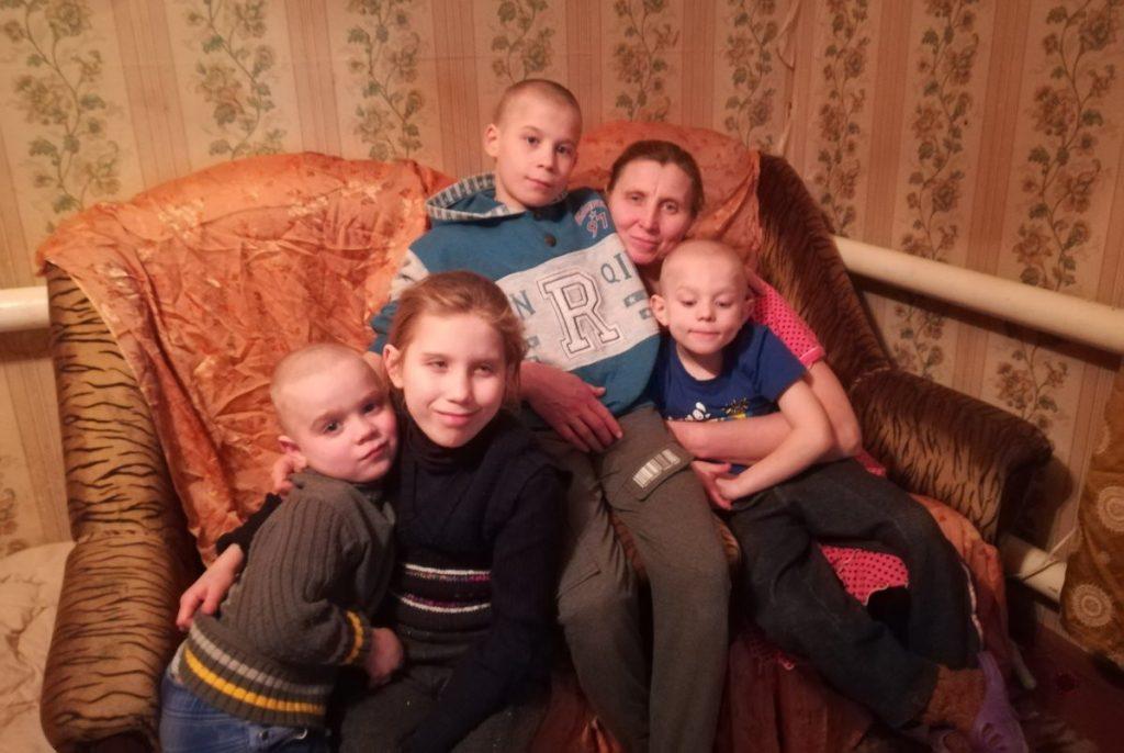 Беженка из Украины мать пятерых детей Надежда Барышева просит о помощи