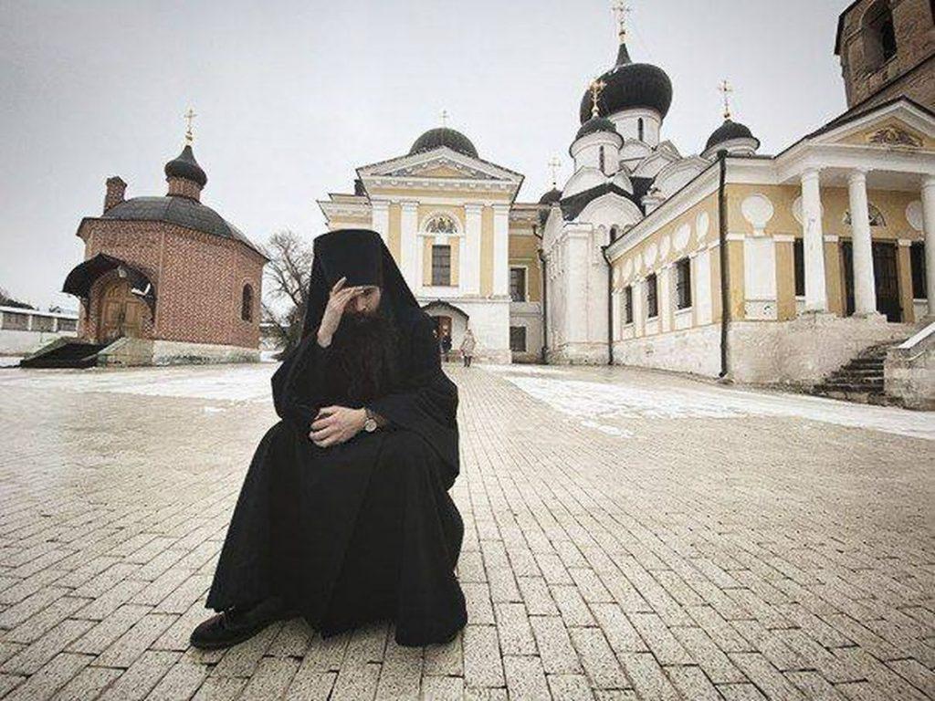 Изгнание из монастыря