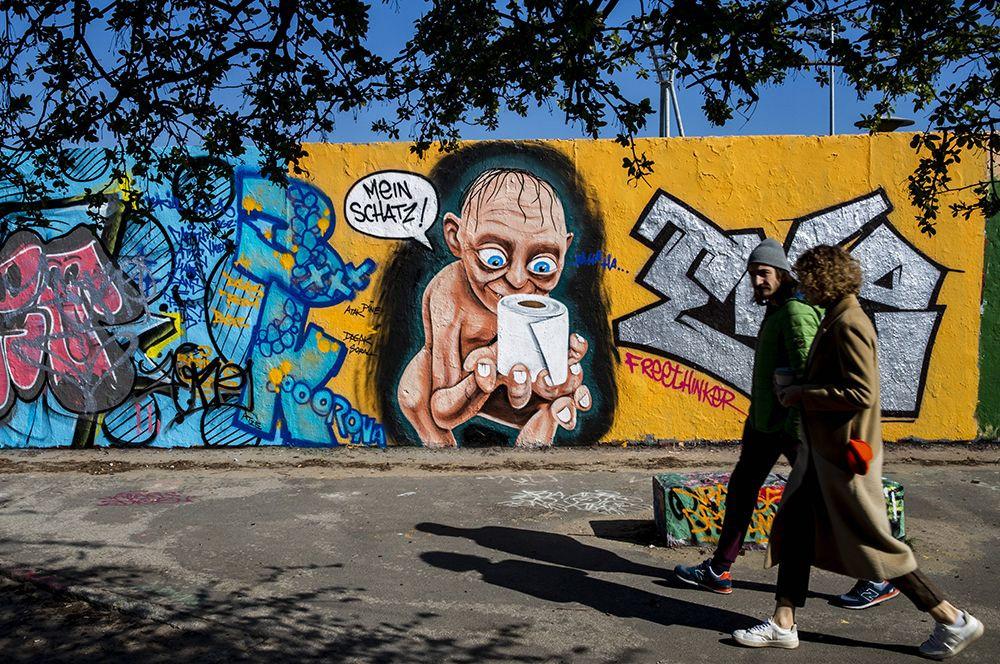 Если бы стены могли говорить: мировой стрит-арт на тему коронавируса