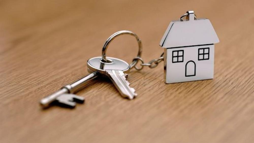 Многодетной семье в Тверской области дали квартиру