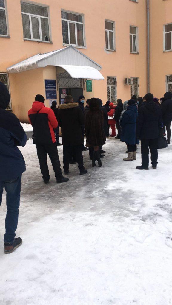 В больницах и поликлиниках Тверской области огромные очереди