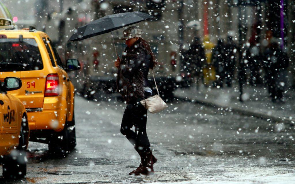 ФАС проверит обоснованность повышения цен на такси во время снегопада