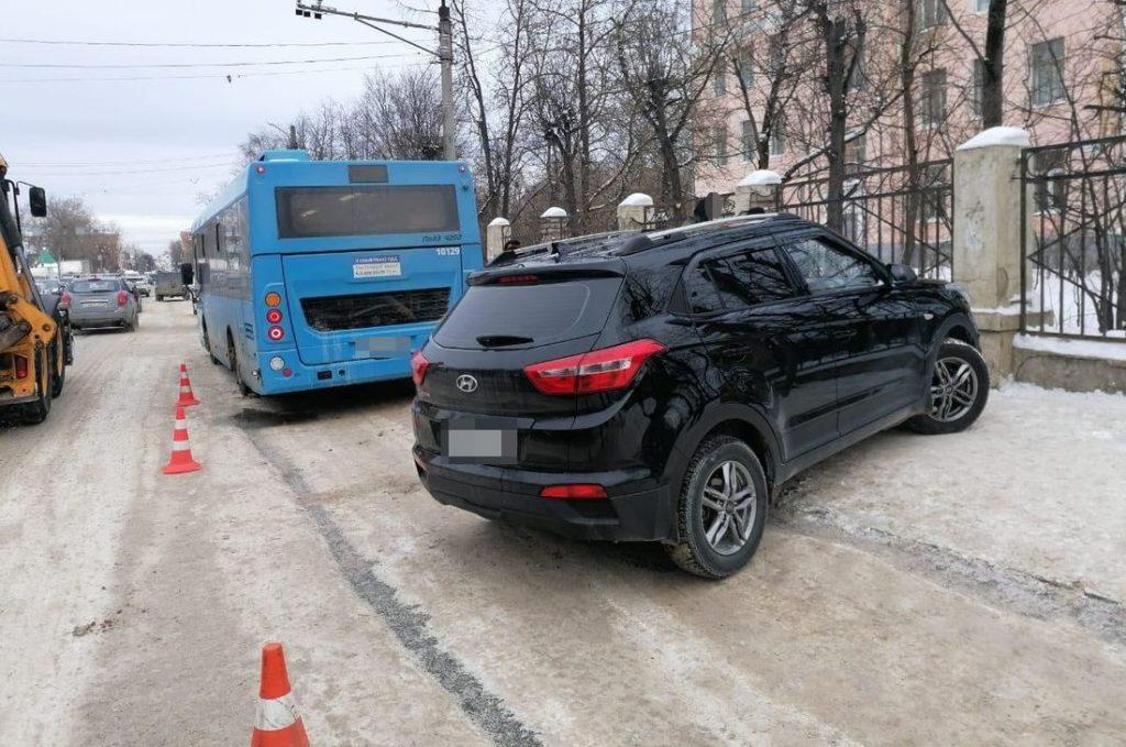 В Твери в ДТП с автобусом пострадали два пешехода