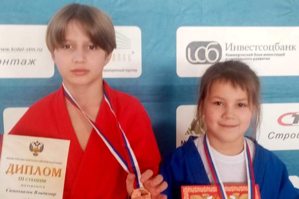Универсальные бойцы из Тверской области завоевали две медали всероссийских соревнований