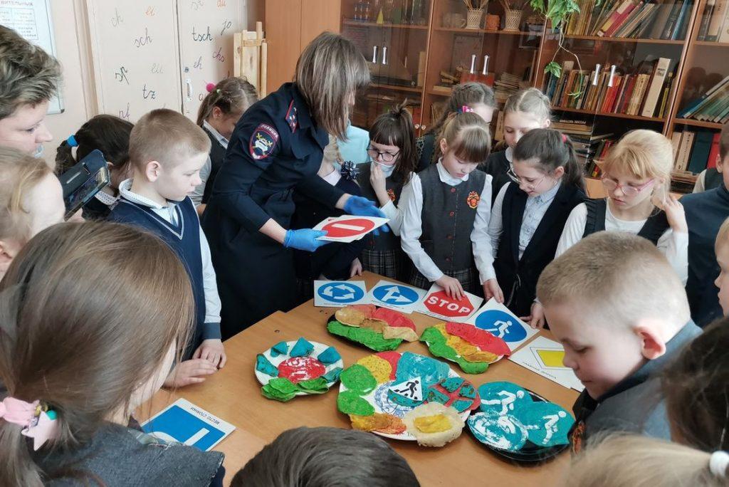 Школьники Твери побывали на «Масленице в стране ПДД»