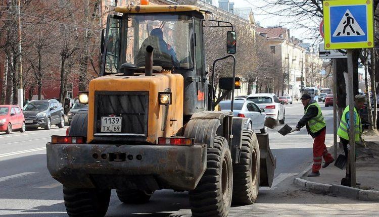 За неделю с улиц Твери вывезли 32 тонны мусора