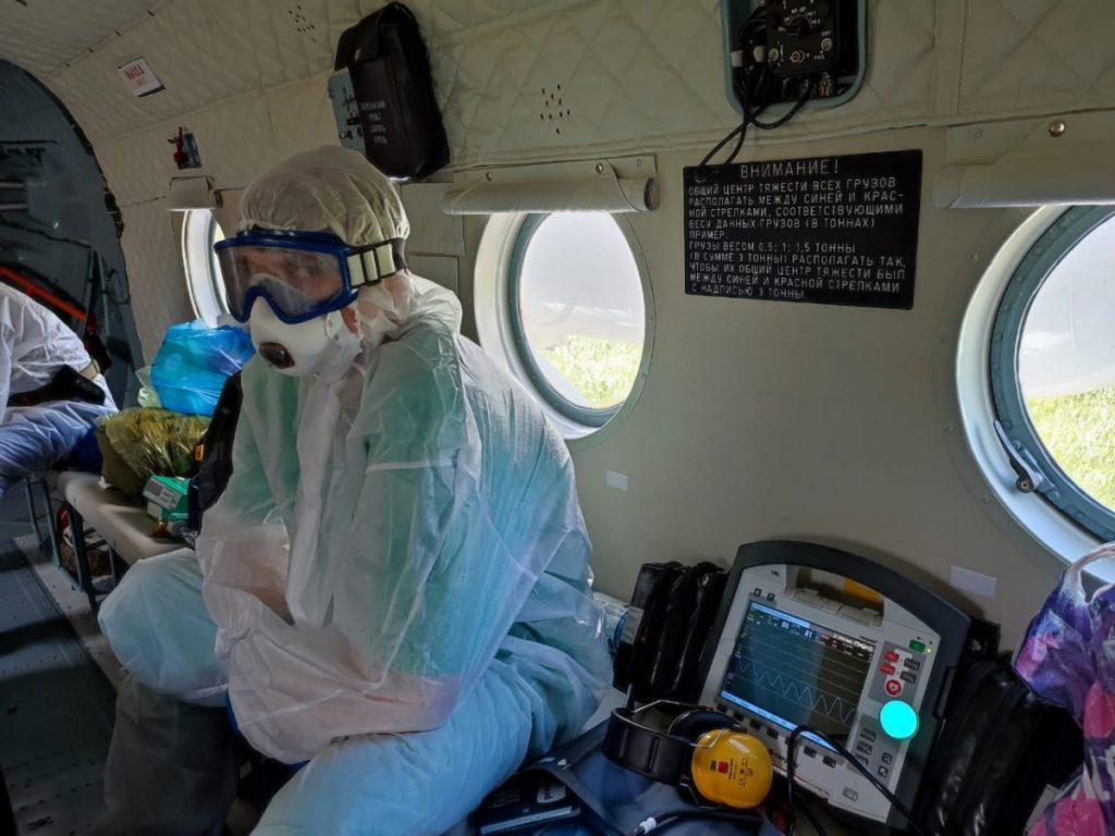 Из госпиталя кимрской ЦРБ на вертолете в Тверь доставили троих больных с тяжелыми осложнениями коронавируса