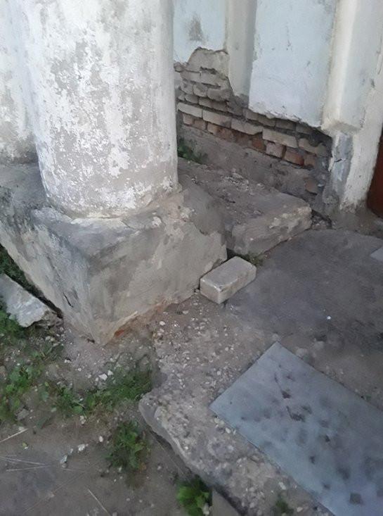 Жители Твери вынуждены жить в разваливающемся доме